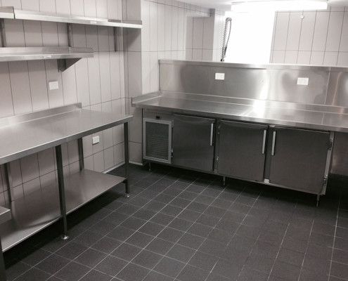 Subiaco Hotel's stainless steel commercial kitchen - stainless steel work benches & storage